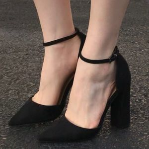 Block high heels with pointed toe and ankle strap